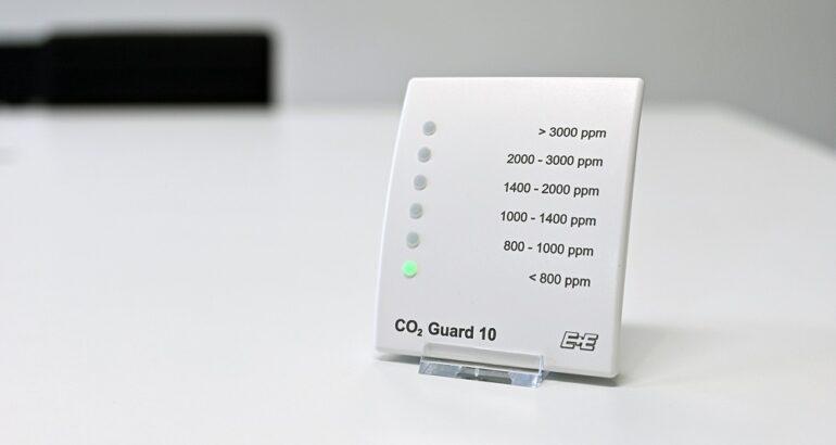 CO2 Guard 10 для мониторинга качества воздуха в промышленных и офисных помещениях